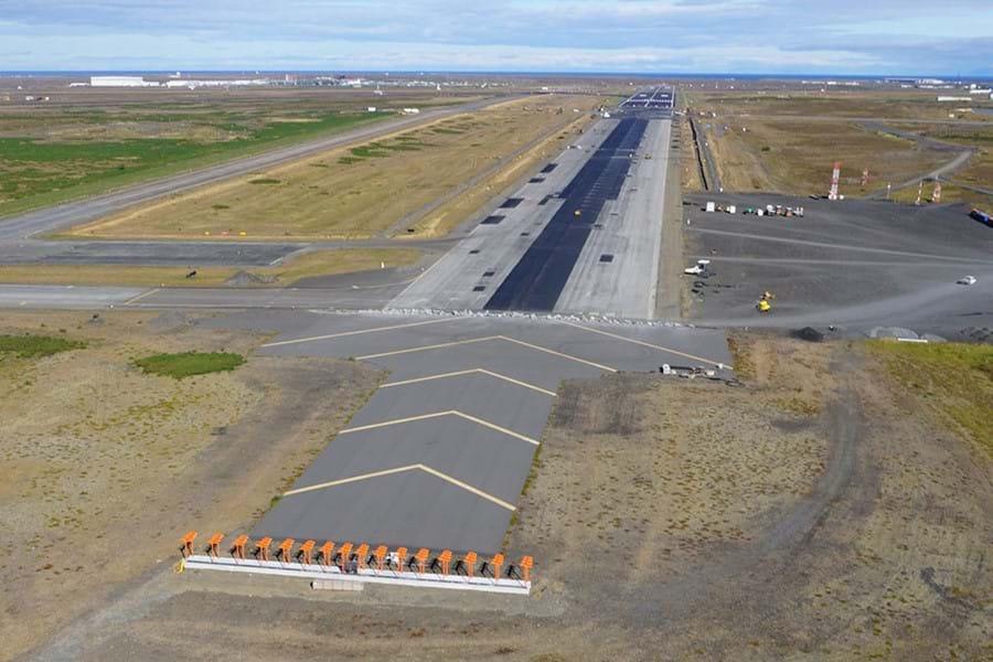 KEFLAVÍK AIRPORT - Renewal of two 3 km runways - ÍAV