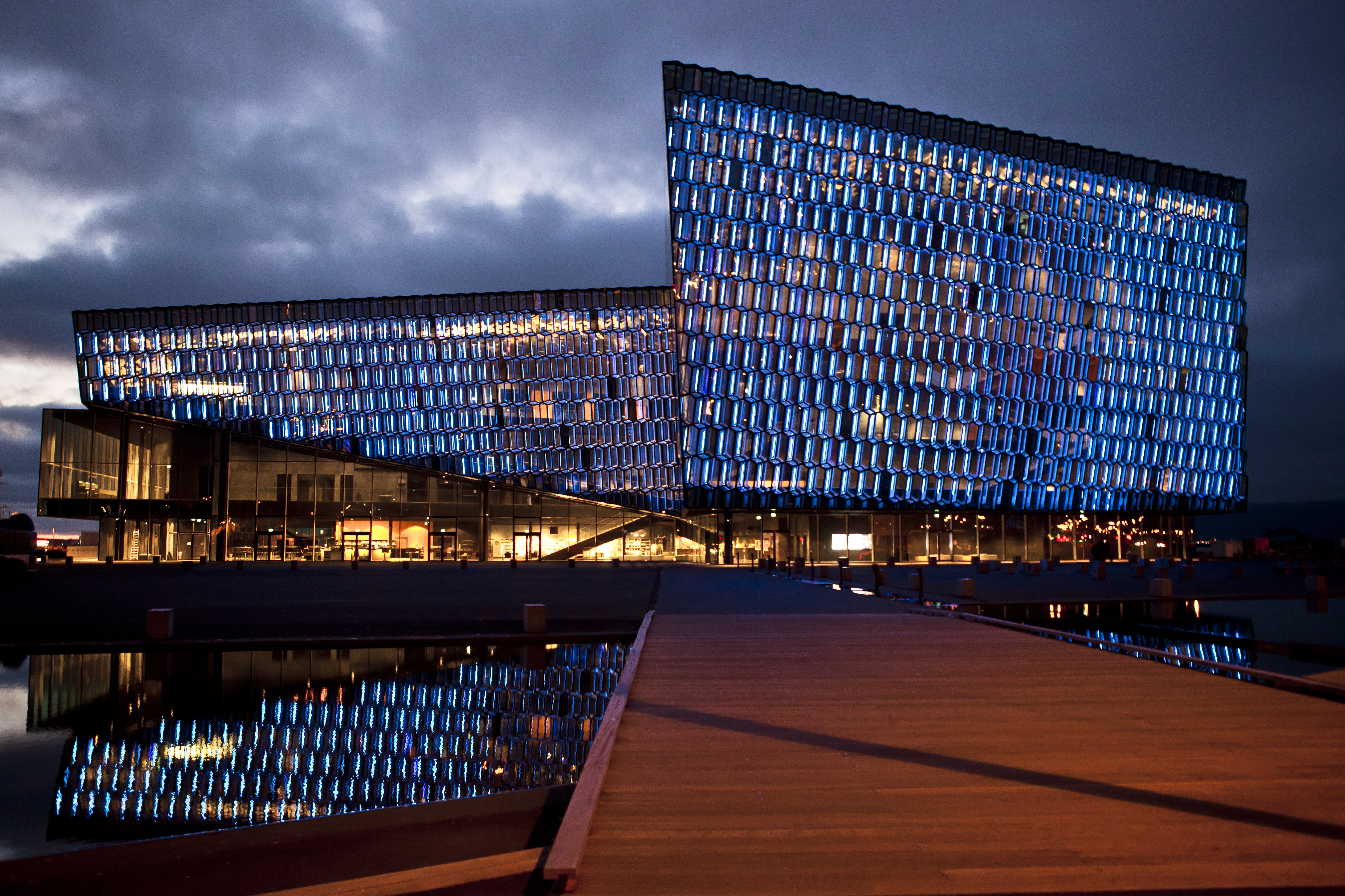 Architects dazzled by Harpa.