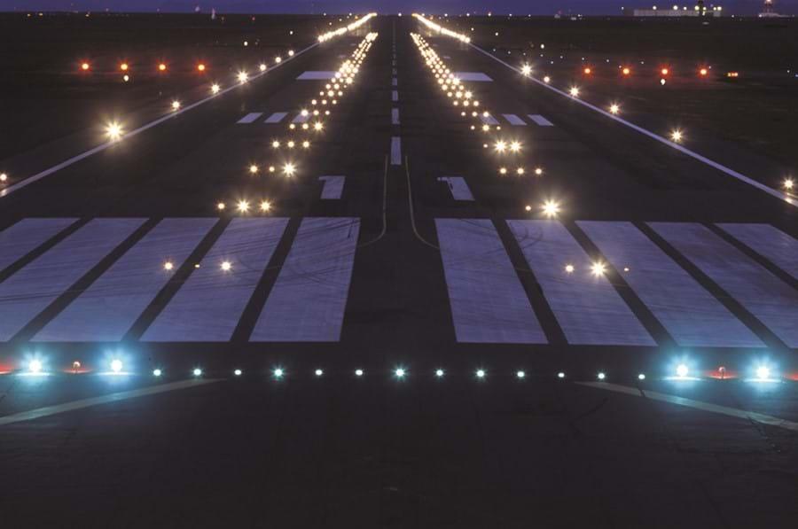 Renewal of Approach Landing Light System - ÍAV